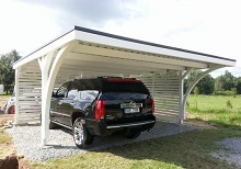 Flachdach Carport mit Rundbögen und Seitenwänden