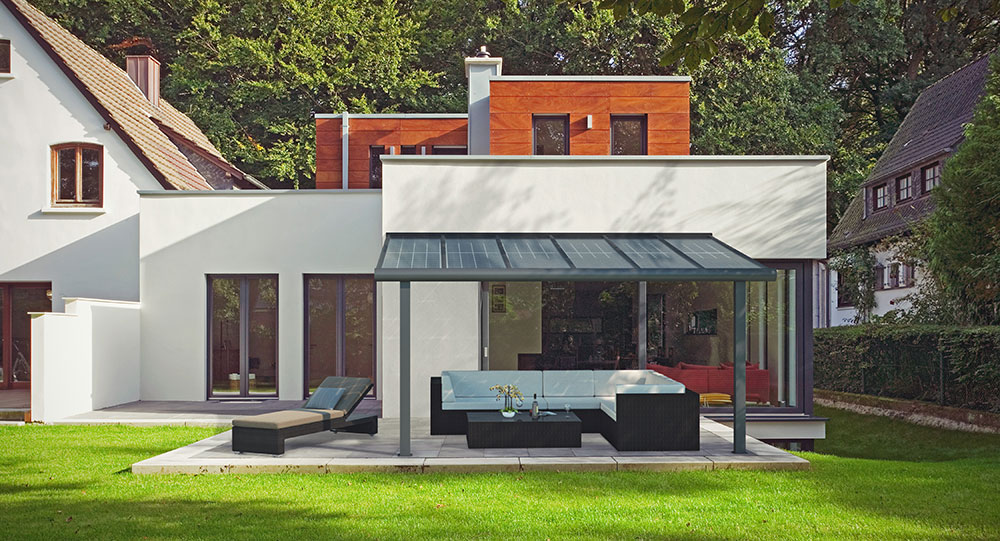 Terrassendach aus Holz oder Aluminium - Vor- und Nachteile im ...